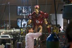 tony stark working on iron man Marvel Cinematic Universe Movies, Films Marvel, Batman Universe, Marvel Heroes, Iron Man Armor, Iron Man Suit, Robert Downey Jr, Traje Loki, Victor Von Doom