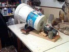 Home made tumbler. Cool Tools, Diy Tools, Reloading Room, Reloading Equipment, How To Clean Brass, Clean Garage, Gun Rooms, Tool Shop, Metal Shop