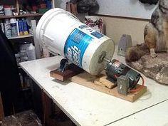 Home made tumbler. Cool Tools, Diy Tools, Reloading Room, Reloading Equipment, How To Clean Brass, Clean Garage, Gun Rooms, Tool Shop, Gun Storage
