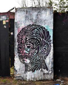 "d7606: ""Work by @stinkfishstink London Support from @artunderthehood . . #stinkfish #stinkfishstink #london #shoreditchstreetart #londonstreetart #streetartlondon #londongraffiti #hoxton #hackney #eastlondon #artunderthehood #streetart #graffiti #art #artwork #tv_streetart #rsa_graffiti #royalsnappingartists"""