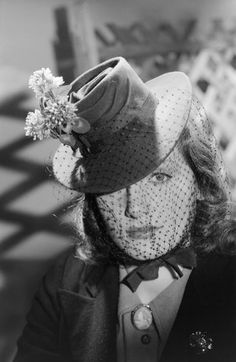 Chapeau, 1941.