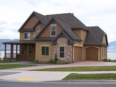 This is a beautiful new roof that we just installed in this luxury Utah Home! http://www.advancedwindowsusa.com/roofing