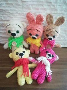 Háčkovaný mini Medvídek / Mini Zajíček Crochet Animals, Tweety, Crochet Baby, Diy And Crafts, Hello Kitty, Teddy Bear, Toys, Mini, Pattern