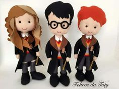 Harry Potter Magie, Harry Potter Dolls, Harry Potter Diy, Felt Dolls, Crochet Dolls, Hogwarts, Harry Potter Weihnachten, Christmas Shoebox, Storybook Characters