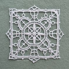 I am absolutely fascinated by lace! After acquiring some more books on the subject, I had to try my hand at reticello, a needle lace that dates back to the Tunisian Crochet Patterns, Bobbin Lace Patterns, Doily Patterns, Crochet Motif, Doilies Crochet, Crochet Edgings, Loom Patterns, Crochet Granny, Crochet Shawl