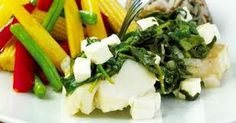 """Spinach feta thing og veggis-samosa"""" #meatless Spinach And Feta, Meatless Monday, Seaweed Salad, Green Beans, Cheese, Fish, Chicken, Vegetables, Ethnic Recipes"""