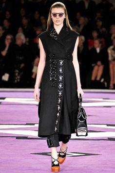 Prada | Fall 2012 Ready-to-Wear Collection | Vogue Runway