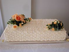 ウェディングケーキ Wedding Boxes, Wedding Cake, Wedding Images, Wedding Decorations, Sheet Cakes, Sweets, Weddings, Bridal, Wedding Dresses