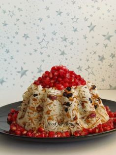 Festive Rice with basmati, vermicelli, pine nuts, raisins and topped with pomegranate Greek Cooking, Cooking Time, Cooking Recipes, Xmas Food, Christmas Cooking, Christmas Time, The Kitchen Food Network, English Food, Greek Recipes