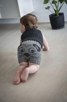 Opskrifter til Mayflower Easy Care garn Knitting For Kids, Baby Knitting Patterns, Crochet For Kids, Baby Patterns, Baby Sleeping Bag Pattern, Baby Barn, Crochet Carpet, Baby Jeans, Baby Turban