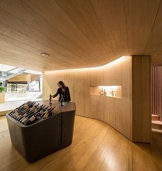 Casas Mistral wine bar by Studio Arthur.