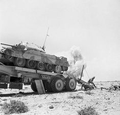 Army Vehicles, Armored Vehicles, Crusader Tank, North African Campaign, Old Lorries, British Army, British Tanks, Afrika Korps, Military Pictures