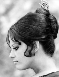 """Andy Warhol, said in 1968 that """"In the future, everyone will be world-famous for Claudia Cardinale, Beautiful Celebrities, Beautiful Actresses, French New Wave, Face Icon, Italian Actress, Italian Beauty, Iconic Movies, Poses"""