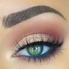 Love the subtle blue liner on the water line!