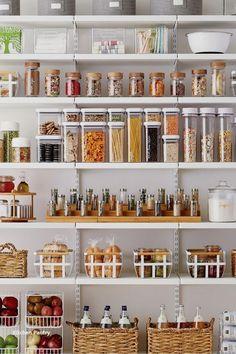 Pantry Organisation, Kitchen Pantry Design, Kitchen Organization Pantry, Small Space Organization, Diy Kitchen Storage, Kitchen Cupboards, New Kitchen, Kitchen Decor, Organization Ideas