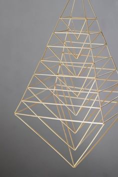 ET – Blogit | Reijan räsymatto – Himmeli on kaunis, pyhä ja harmoninen Geometric Shapes Art, Geometric Decor, Geometric Designs, Straw Sculpture, Cardboard Sculpture, Crafts To Do, Diy Crafts, Straw Decorations, Sculpture Projects