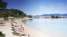 exclusief hotel met een unieke ligging pal aan zee, befaamd om zijn natuurlijke, gastronomische keuken. Alles staat in het teken van genieten, in de tuin of op het strand. Een oase van rust, ideaal voor een ontspannen vakantie of een romantisch verblijf. Het absolute tophotel van Corsica! Vroeg reserveren sterk aanbevolen!