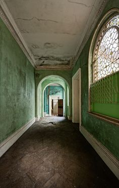 abandonedography:    Green (by odin's_raven)