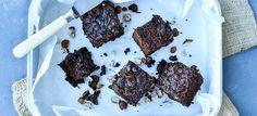 Chokoladedrøm - en nyfortolkning af den klassiske drømmekage, her med chokolade og hasselnødder i stedet. Klik her og se opskriften
