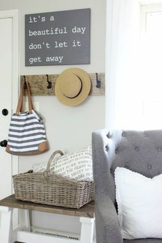"""Small entryway decor ideas will turn your entryway into a pleasing """"Welcome home!"""" to anyone who enters your house and help to tidy up your entryway. Find the best designs for Beach House Decor, Diy Home Decor, Room Decor, Beach House Signs, Casa Feng Shui, Home Interior, Interior Design, Decoration Entree, Ideas Para Organizar"""
