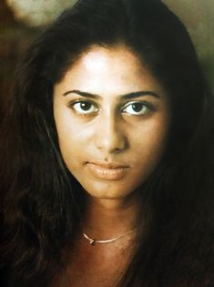 She had most photogenic face with expressive eyes. Therefore even without Make up, she used to look captivating. The actress par excellence Beautiful Bollywood Actress, Beautiful Indian Actress, Girl Number For Friendship, South Indian Film, Vintage Bollywood, Bollywood Stars, Indian Bollywood, India Beauty, Vintage Movies