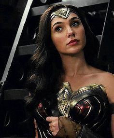 """ Gal Gadot as Diana Prince/Wonder Woman in the DC Extended Universe. Wonder Woman Art, Gal Gadot Wonder Woman, Wonder Woman Movie, Marvel Dc, Gal Gardot, Super Heroine, Linda Carter, Warrior Princess, Celebs"