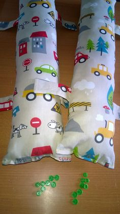 Le coussin de voiture - Baby no Soucy Road Trip Organization, Car Accessories Diy, Woodland Party, Diy Pillows, Sewing Crafts, Sewing Patterns, Diy Projects, Dolls, Gifts
