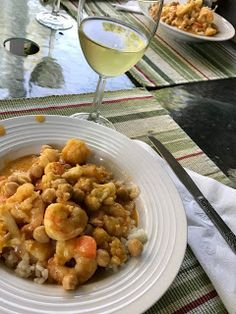 Squirrel Head Manor: Shrimp Curry for the Souper Sunday Kitchen Red Curry Sauce, Curry In A Hurry, Shrimp Curry, Large Shrimp, Naan, Fish And Seafood, Squirrel, Stew, Spicy