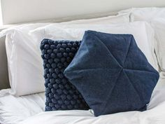 Inspire everyone with your amazing decor style with the minimalist finds featured on today's blog post. Explore unique and beautiful finds from Etsy at Arrival Departure! #minimal #home #decor Throw Cushions, Decorative Throw Pillows, Sticky Roller, Bright Homes, Minimal Home, Amazing Decor, White Home Decor, Blue Accents, Minimalist Decor