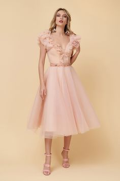 Pink Gowns, Serendipity, Couture, Lady, Dresses, Journals, Atelier, Simple Lines, Shelf
