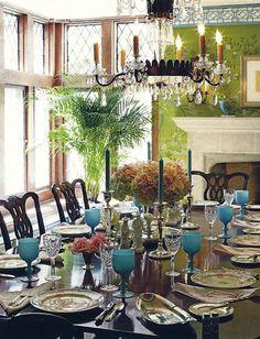 Beautiful dining room. Beautiful table setting.