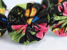 7 1/2 Bright Floral on Black Yo Yo Bracelet by SursyShop on Etsy, $5.00