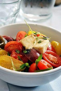 Cherry tomato salad with buffalo mozzarella and fresh oregano