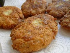 Chiftele din conopida Vegetable Recipes, Muffin, Food And Drink, Appetizers, Ice Cream, Cooking Recipes, Vegetables, Breakfast, Garden