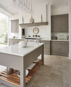 IMPRESSIVE GREY AND WHITE KITCHEN
