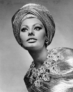 Sophia Loren loves a turban