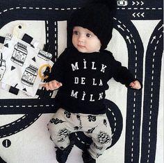 Black and White Milk De La Milk Set
