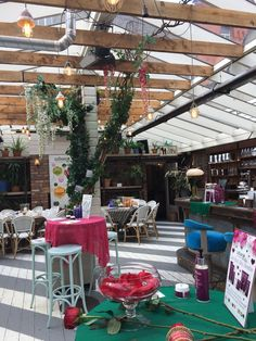 The Urban Veda Launch event in Dublin got fantastic feedback for the natural and botanical. The greenhouse at House Dublin was the perfect setting!