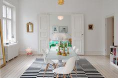 White & light dining room - rug