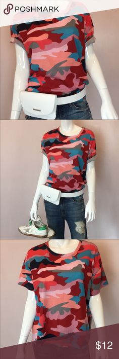 cbe8523854b3c NEW Zara Red Camo Tee Red multi colored Zara tee Perfect for spring—looks  great