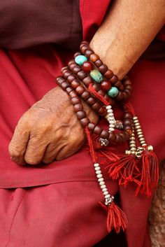 India - Ladakh | Detail from a Monk at the Phyang Monastery | © Walter Callens.
