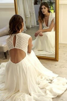 Robe de mariage : Sexy Deep V-neck Wedding Dress, Open Back Long Wedding Dresses, Chiffon Wedding Gown Bridal Dress Idée et inspiration robe de mariage tendance 2018 Image Description Sexy Deep V-neck Wedding Dress, Open Back Long Wedding Dresses, Ch Chiffon Wedding Gowns, Cute Wedding Dress, Wedding Dress Chiffon, Wedding Dress Trends, Long Wedding Dresses, Bridal Dresses, Perfect Wedding, Wedding Tips, Budget Wedding