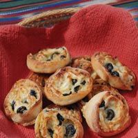 These Savory Cheese Rolls from Cliff Creek Cellars make a great appetizer for any party or event. Your guests will not be able to have enough!