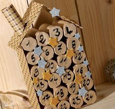 Idée créative Wesco : faire un calendrier de l'Avent avec des rouleaux de papier toilette