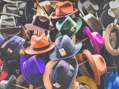 Hat Hanger Concepts Mudroom Storage Bench, Bench With Storage, Mudroom Benches, Storage Ideas, Kitchen Storage, Hat Storage, Spice Storage, Kitchen Rack, Vintage Wardrobe