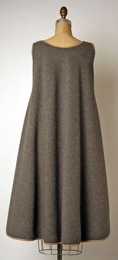 Designer: Bonnie Cashin (American, Oakland, California New York) Manufacturer: Philip Sills & Co. (American, founded Date: fall/winter Vintage Dresses, Vintage Outfits, Vintage Fashion, Elegante Y Chic, Handgestrickte Pullover, Mode Kimono, Bonnie Cashin, Neue Outfits, Mode Vintage