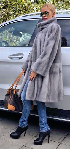 Sapphire Swinger Royal Saga Mink Fur Coat Visone Nerz
