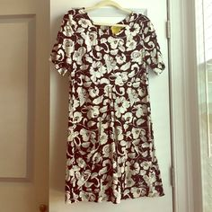 Maeve floral print dress, size 6, Anthropologie You'll want to live in this light, flowing dress all summer. And it has pockets! Perfect for brunch with friends or a night out at the beach. Anthropologie Dresses Mini