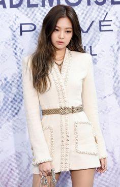 Kim Jennie, Blackpink Fashion, Korean Fashion, Fashion Outfits, Kim Jisoo, Stage Outfits, Swagg, Classy Outfits, Coachella