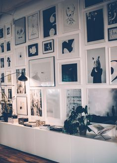 Gallery Wall · Creative Home Decor Inspiration · Wall Art · Black and White Inspiration Wand, Interior Inspiration, Wall Decor, Room Decor, Wall Art, Home And Deco, Picture Wall, Picture Collages, Black Picture Frames